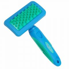 GogiPet bathing gloss and massage brush - short hair