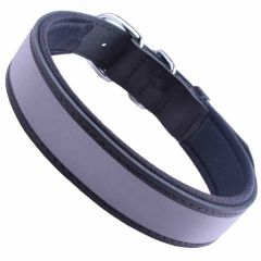 Reflector leather dog collar black with good wearing comfort