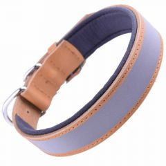 Reflector leather dog collar camel brown with good wearing comfort